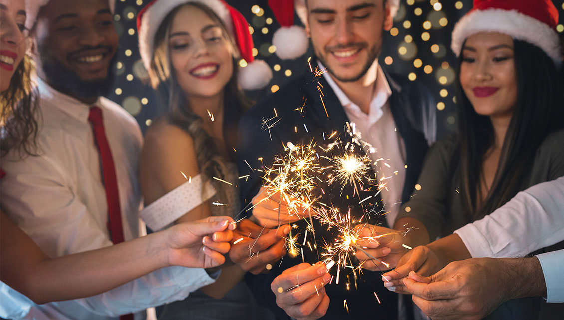 4 AWESOME IDEAS FOR YOUR HOLIDAY OFFICE PARTY